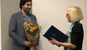 Ali Zaidi from Ericsson AB receives this year's MBA scholarship by Karin Wiström, Director SSE MBA